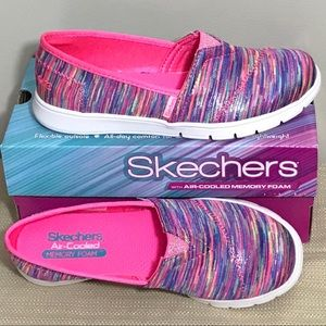 Girls Skechers Pureflex  Sneakers!